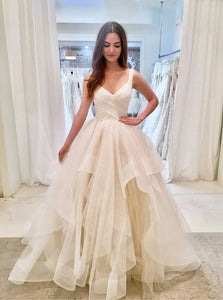 A-Line Straps Layered Wedding Dress, V-neck Ball Gown Bridal Gown OW405