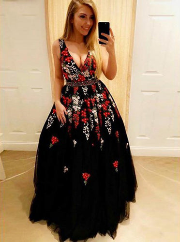 Shop A-Line V-Neck Black Tulle Long Prom Dress with Appliques OP470
