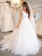 Elegant Tulle Wedding Dress A-Line Spaghetti Straps with Appliques OW404