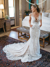 Charming Mermaid V-neck Backless Lace Beach Wedding Dress With Pocket OW327