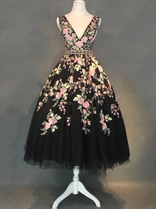 A-line V-neck Black Floral Tea Length Prom Dresses With Beading OM473