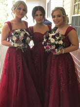 Straps Tulle Long Burgundy Bridesmaid Dresses With Lace Appliques OB143