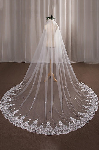 Fashion One-tier Chapel Wedding Veils with Lace Appliques OV8