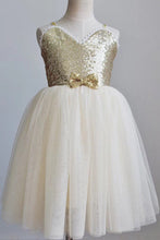 Cute A-line Sweetheart Sequins Tulle Flower Girl Dress OF138