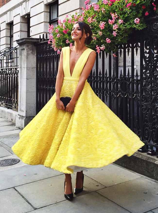 Cute Yellow Plunging Neckline Prom Dresses Lace Tea-Length Homecoming Gown OM210