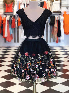Lace V-neck Short Prom Dresses Embroidered Two Piece Graduation Gown OM218