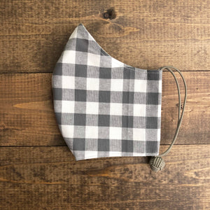k(not) mask in charcoal gingham