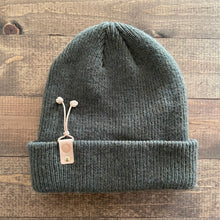 k(not) beanie in forest
