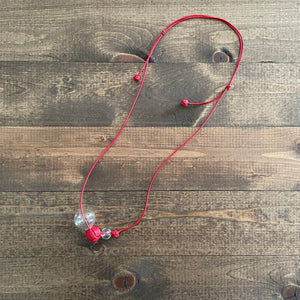 k(not) necklace in red