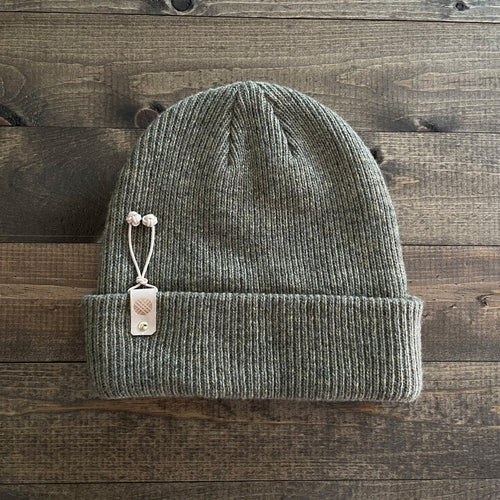 k(not) beanie in olive