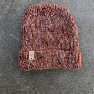 k(not) beanie in salmon