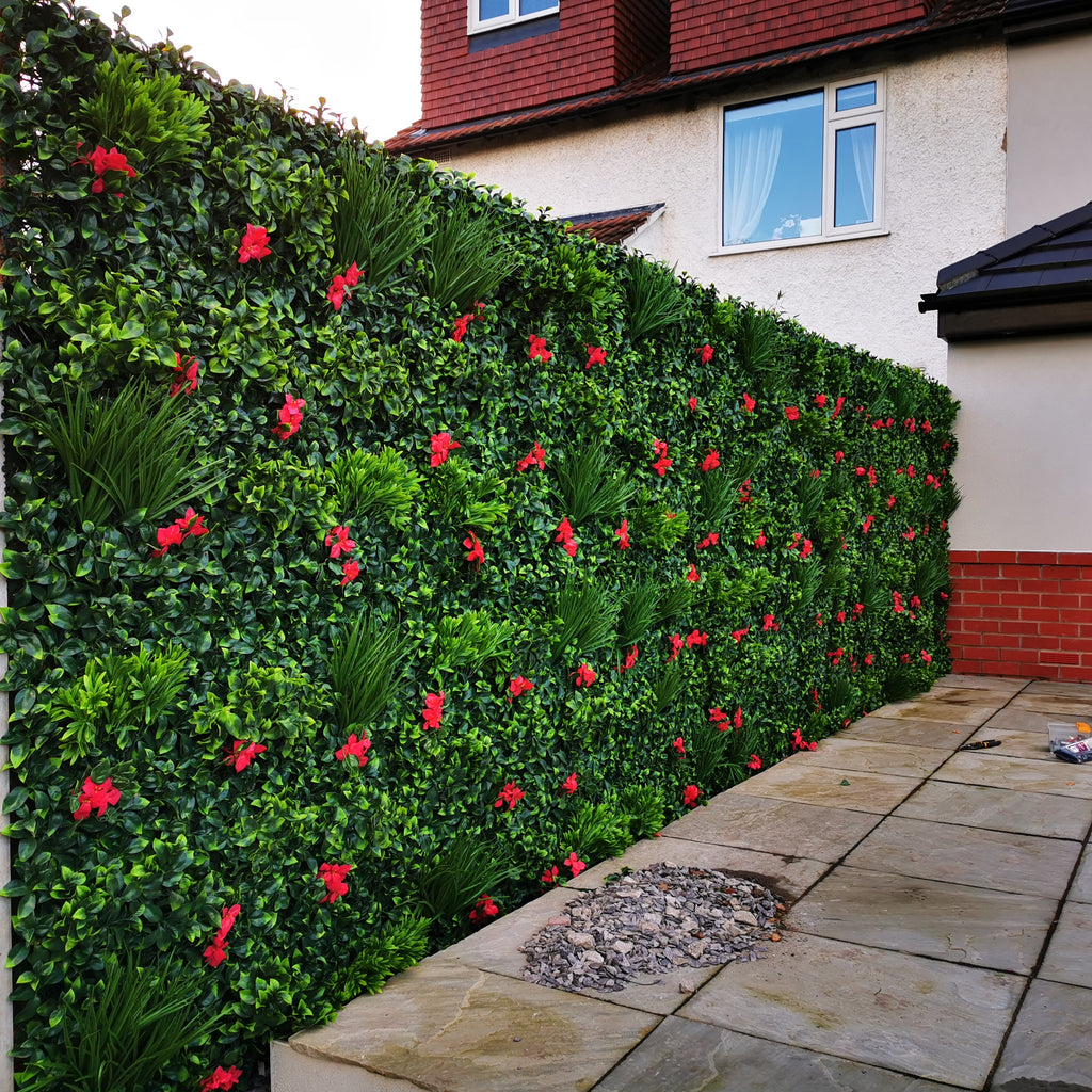 Dull Garden fence makeover with Artificial green wall