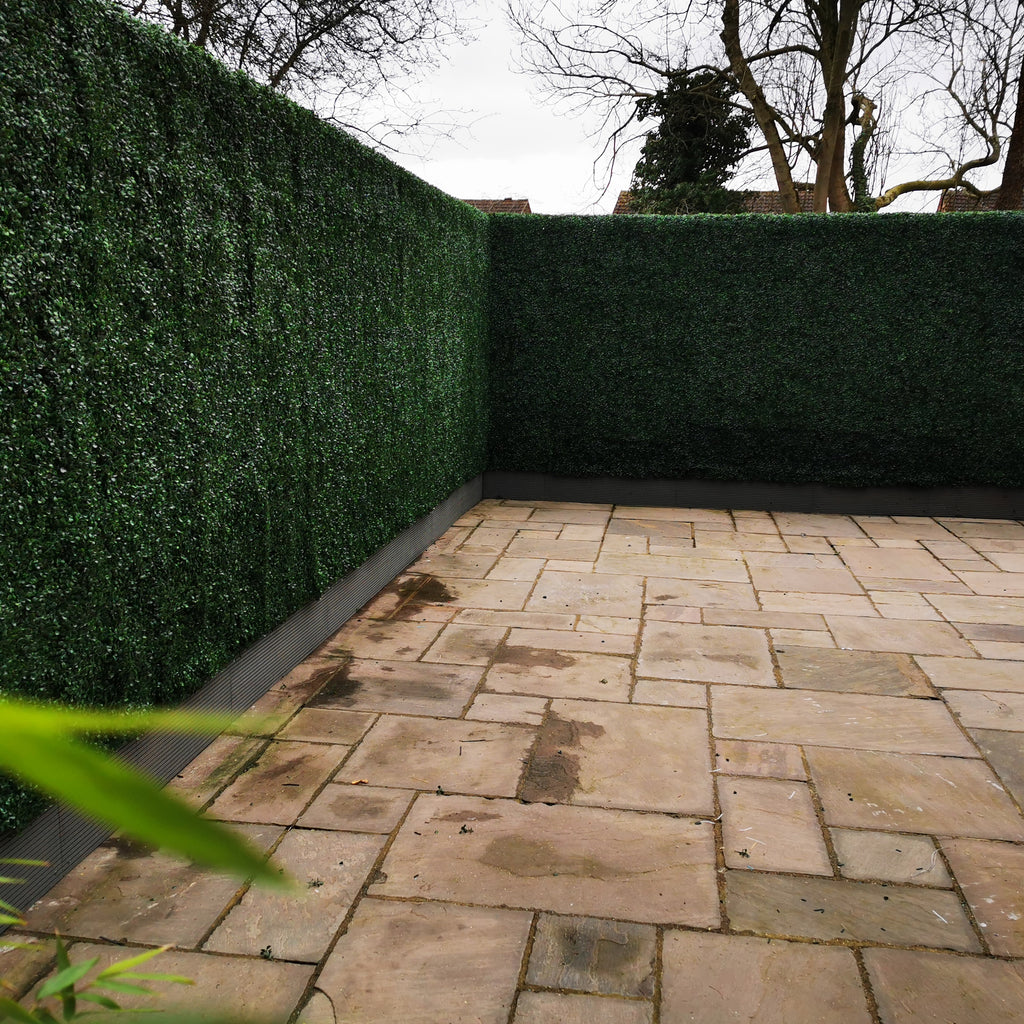 Make an instant privacy screen with Artificial Hedge