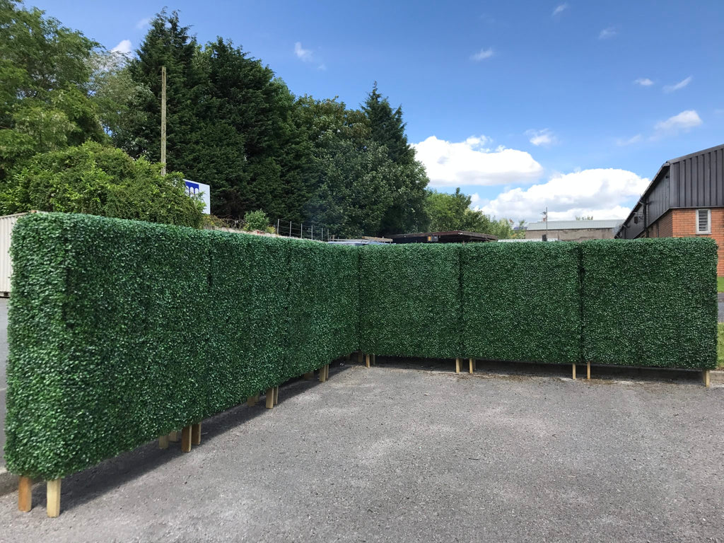 Artificial Hedge Maze creating an instant scenery theme
