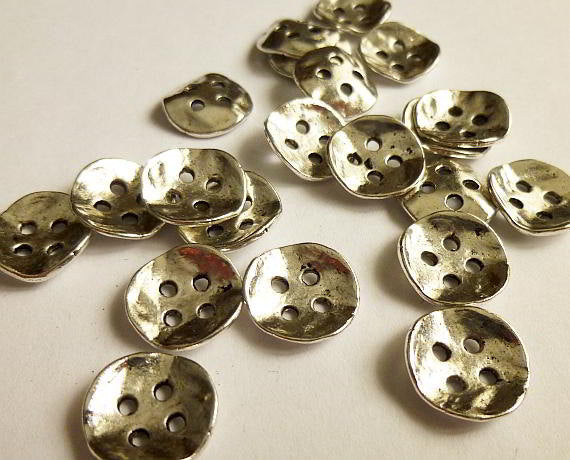 "50 Antiqued Silver Metal Buttons 14mm x 14mm (1/2""x 1/2"")"