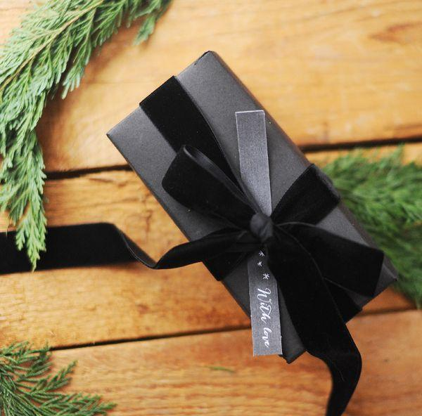 Round Up // Holiday Gift Wrapping We Love