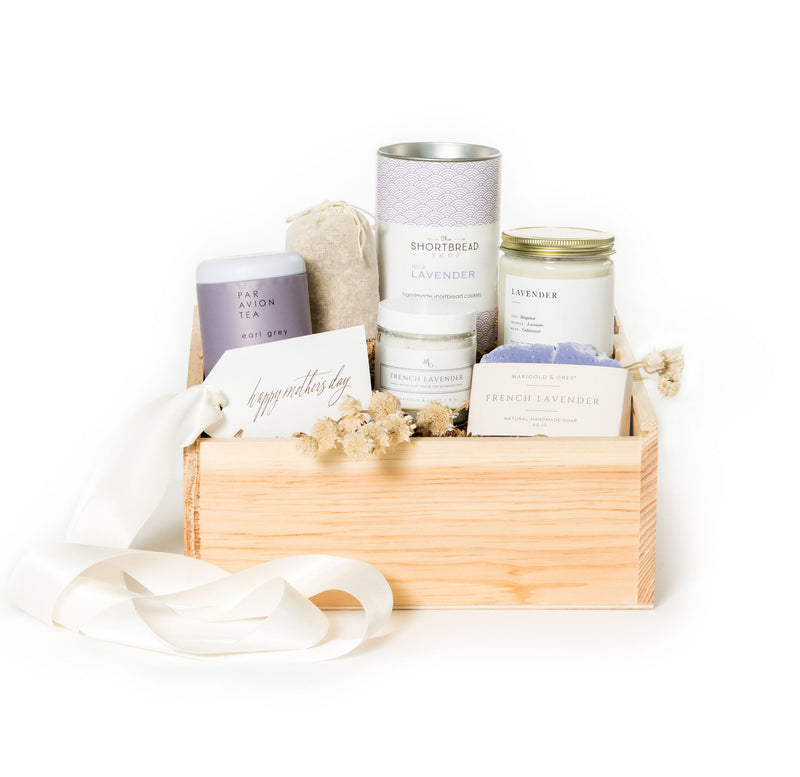 We thought we'd pull together a list of curated gift box ideas for all different types of mothers out there! Enjoy and learn more at Marigold & Grey.