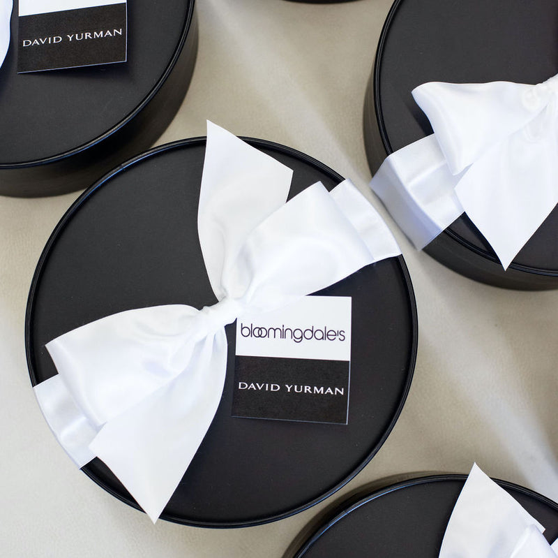 The official guide to virtual event gift boxes and ideas from Marigold & Grey includes all of the lessons we learned in 2020 after converting corporate gifts and events to virtual concepts.