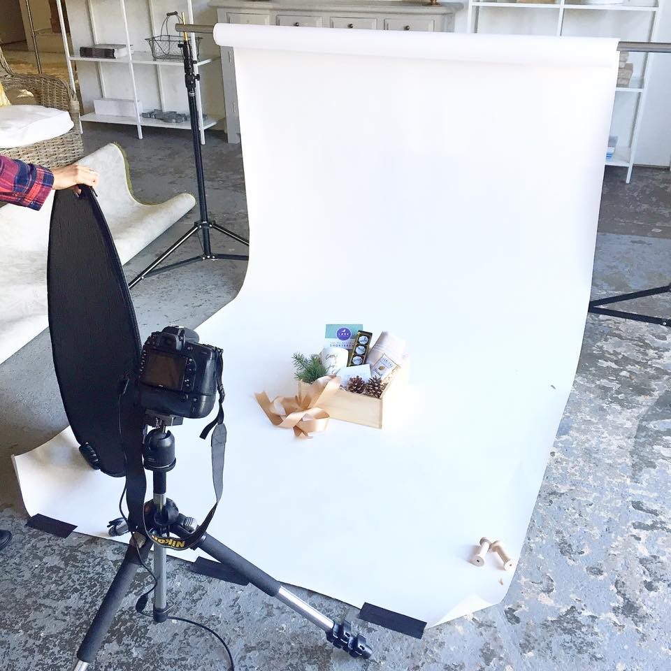 behind-the-scenes-photoshoot-holiday-corporate-client-gifts-marigold-&-grey