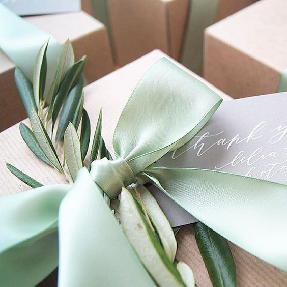 Florals-Greenery-Gift-Accent