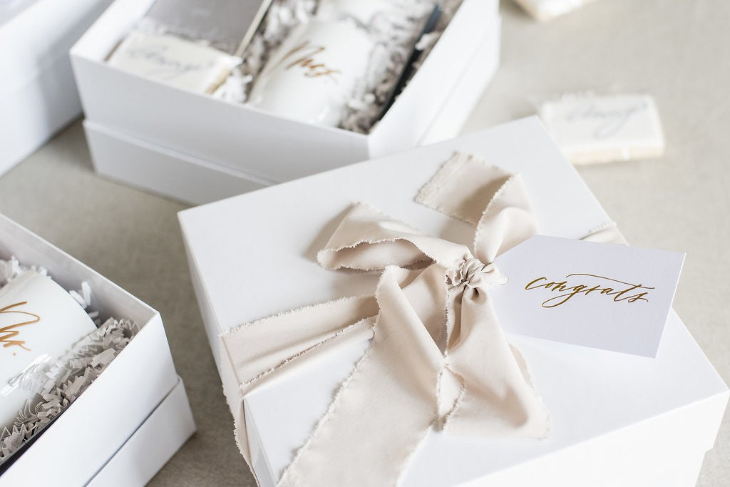 best-client-gift-box-designs-anny-photo-marigold-grey