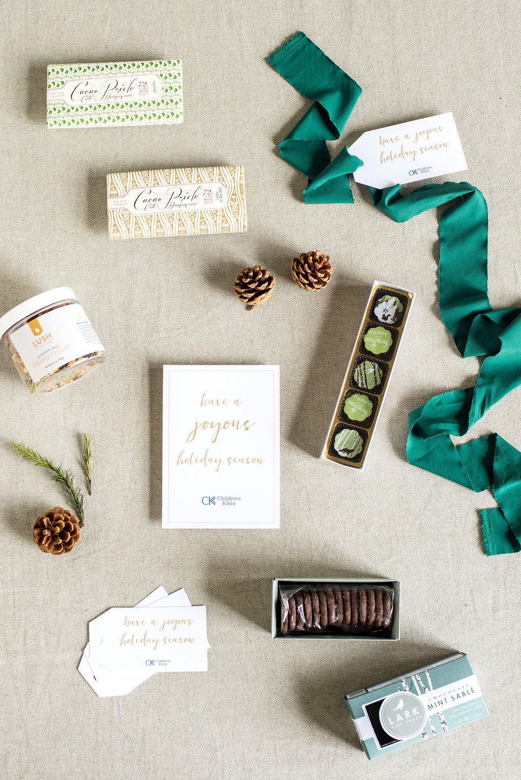 Holiday curated gift boxes