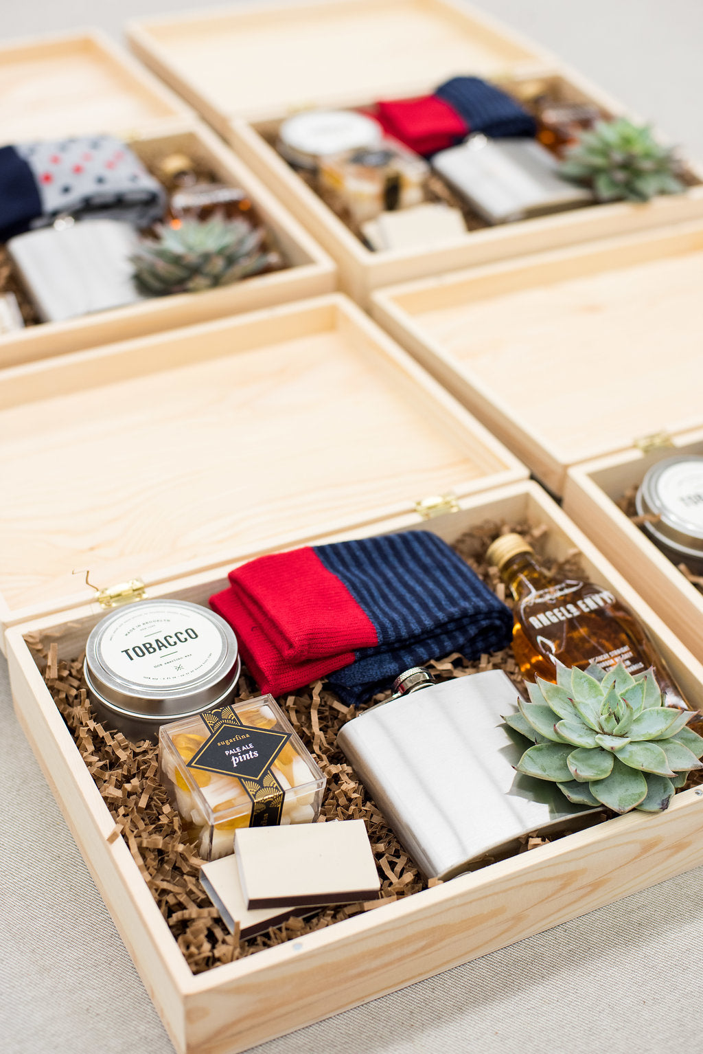 What To Include In Groomsmen Gift Boxes