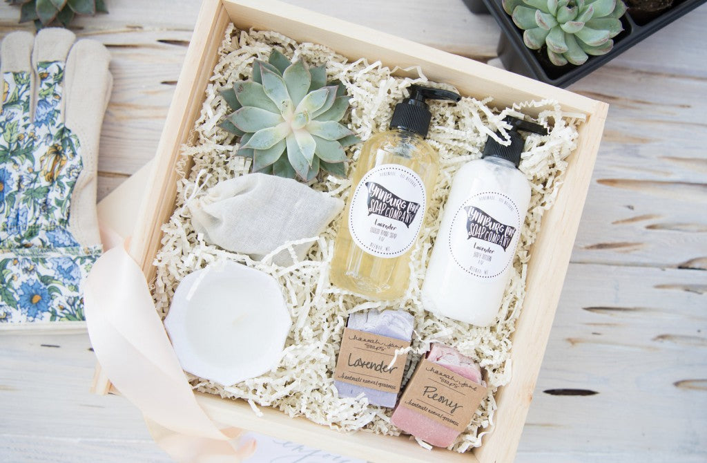 mothers-day-curated-gift-box-lavin-label-marigold-grey4
