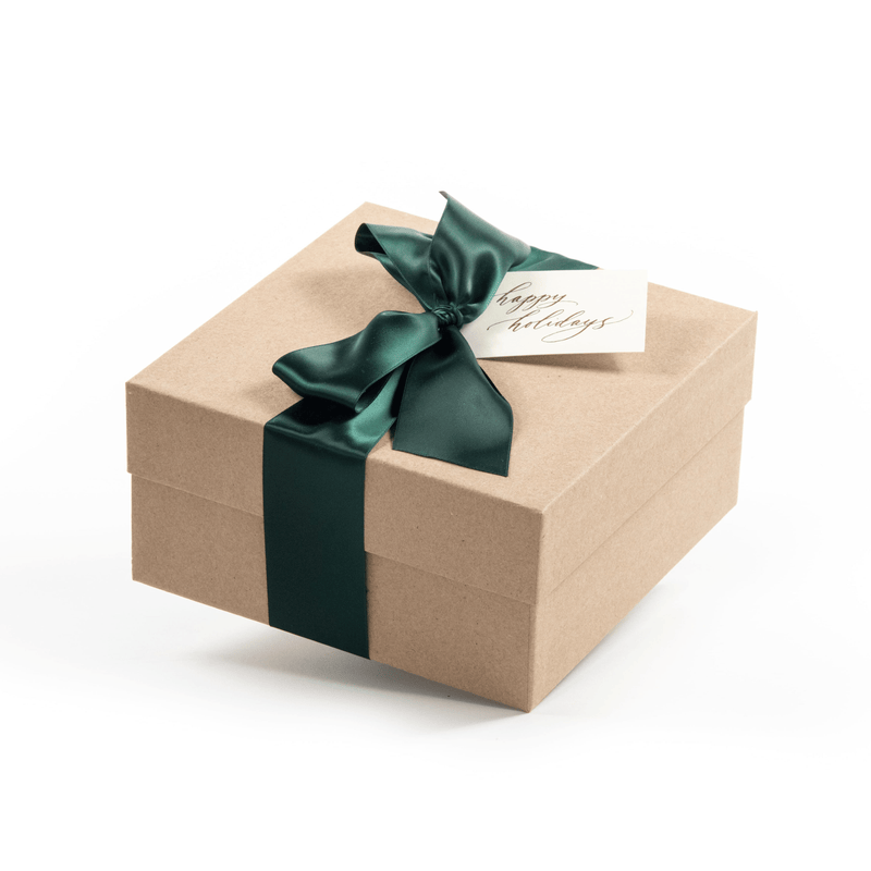 Shop the Cozy Cabin holiday gift box by Marigold & Grey