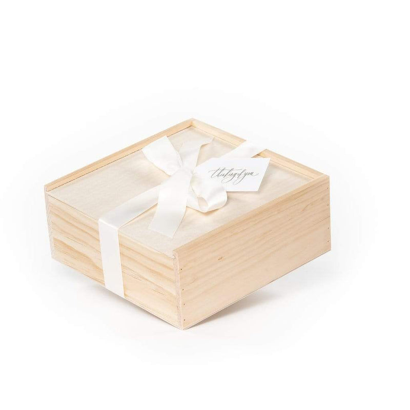 Express your sympathy with our Thinking of You gift box.