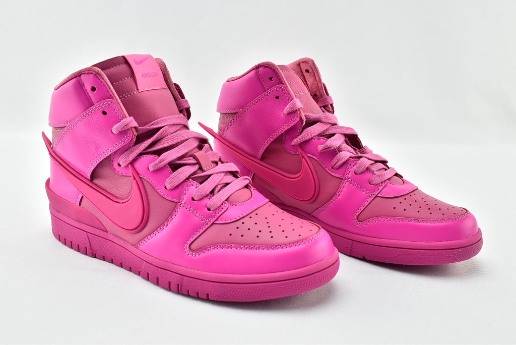 "AMBUSH x Dunk High ""Cosmic Fuchsia"""