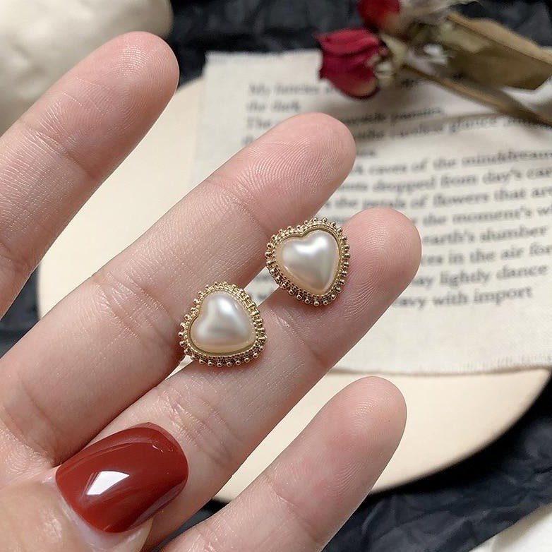 [Korean Style] Solange 925 Silver Heart-shaped Pearl Studs