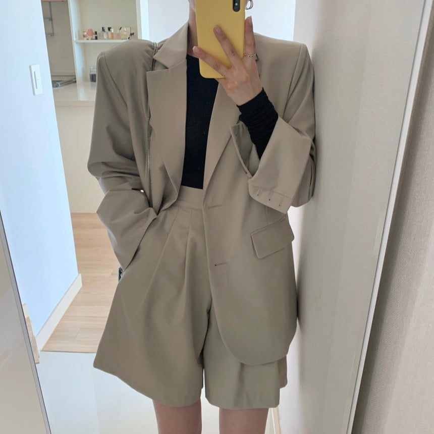[Korean Style] Loose Fit Solid Color Blazer w/ Matchy Shorst 2 pc Suit Set