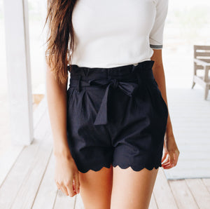 Amber Scalloped Hem Shorts In Black - Boho Valley Boutique