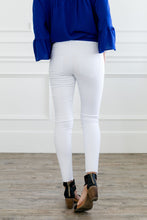 Load image into Gallery viewer, Frayed Hem Cropped Skinny Jeans In White