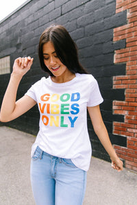 Good Vibes Only Graphic Tee - Boho Valley Boutique