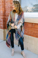 Load image into Gallery viewer, Nacho Basic Plaid Poncho In Camel