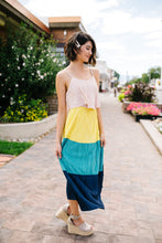 Load image into Gallery viewer, Pleated Color Block Midi Dress