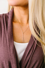 Load image into Gallery viewer, Streak Of Silver Pendant Necklace