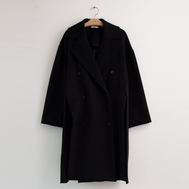 CO - Oversized double breasted coat with exaggerated side slits in black cashmere