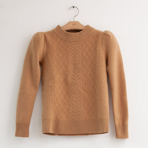 Long sleeve ruched shoulder cable knit sweater in camel soft wool - CO