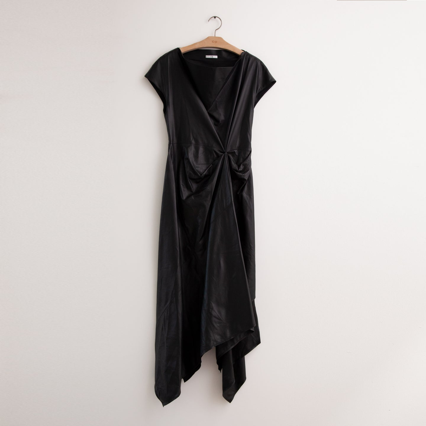 Cap sleeve dress with asymmetrical hem in black nappa leather - CO
