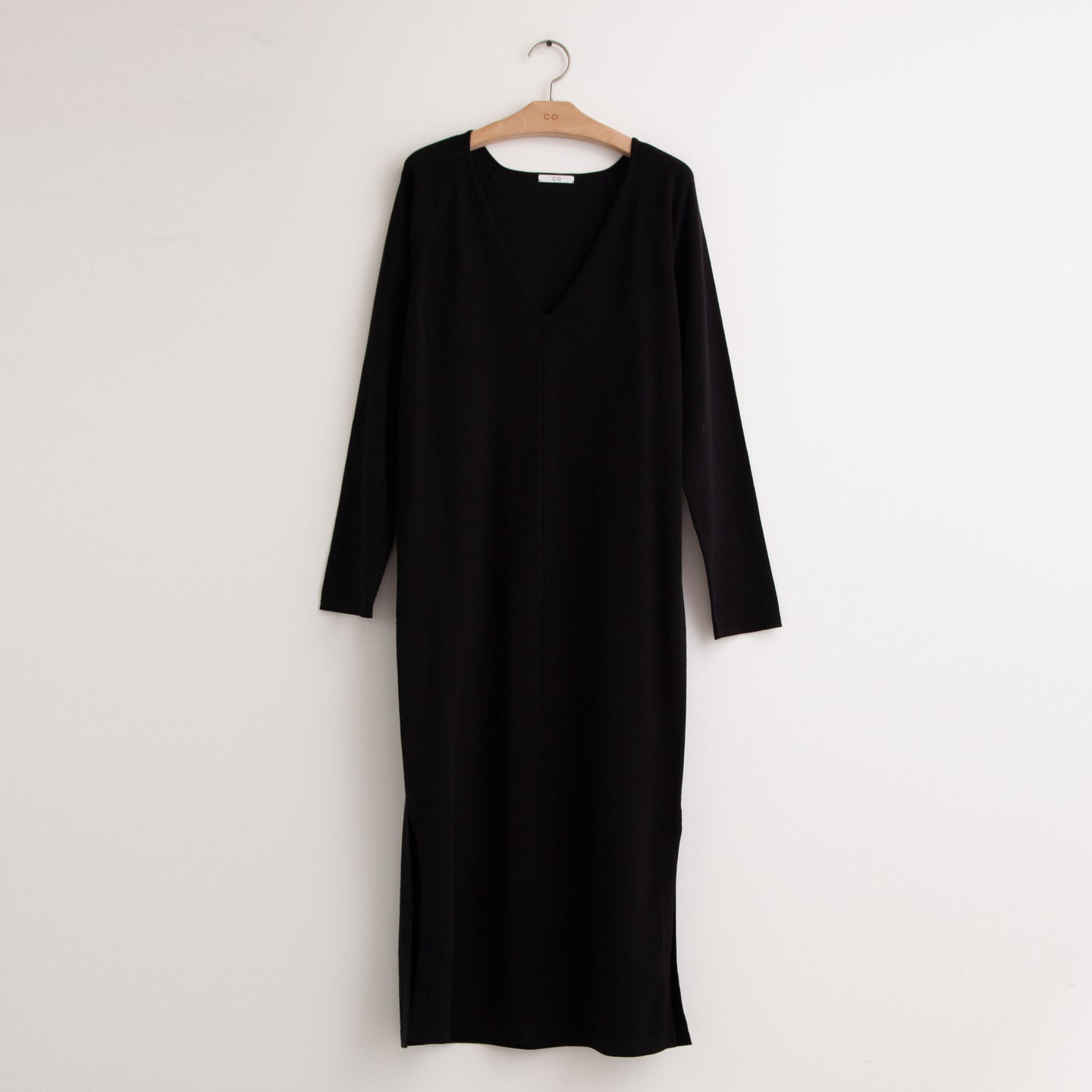 Long sleeve v neck knit dress with front seam detail in black compact viscose - CO