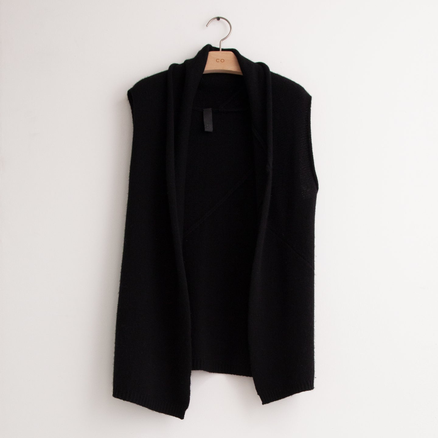 Relaxed fit knit vest in black cashmere - CO