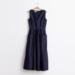 V neck sleeveless gathered waist dress with trapunto hem in navy cotton poplin - CO