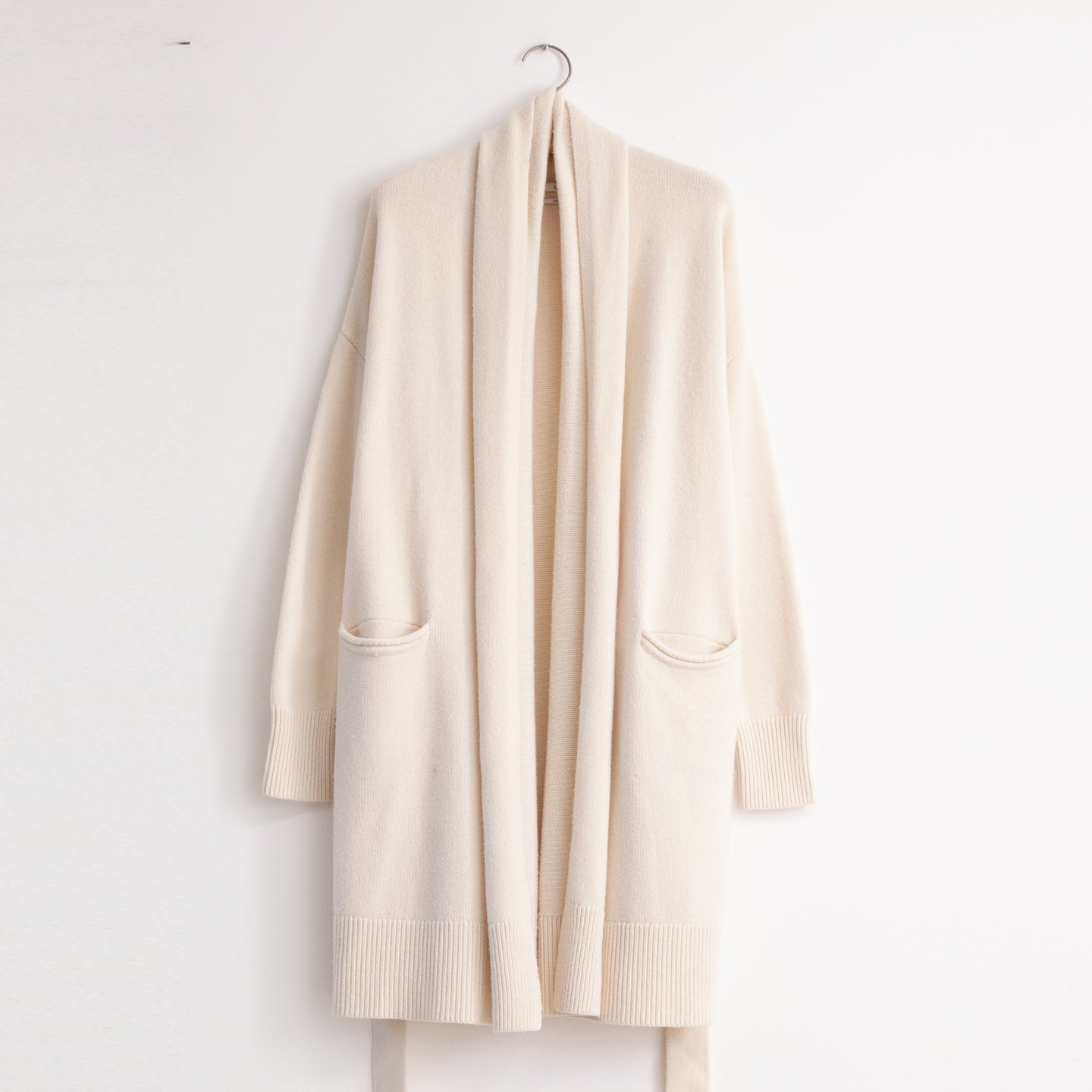 CO - Shawl collar belted cardigan with pockets in ivory wool cashmere