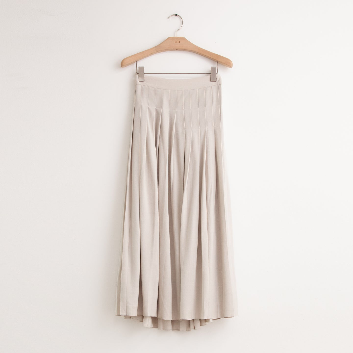 CO - Midi length pleated skirt in ivory crepe