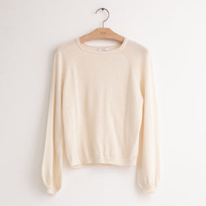 CO - Crewneck raglan sweater in ivory cashmere
