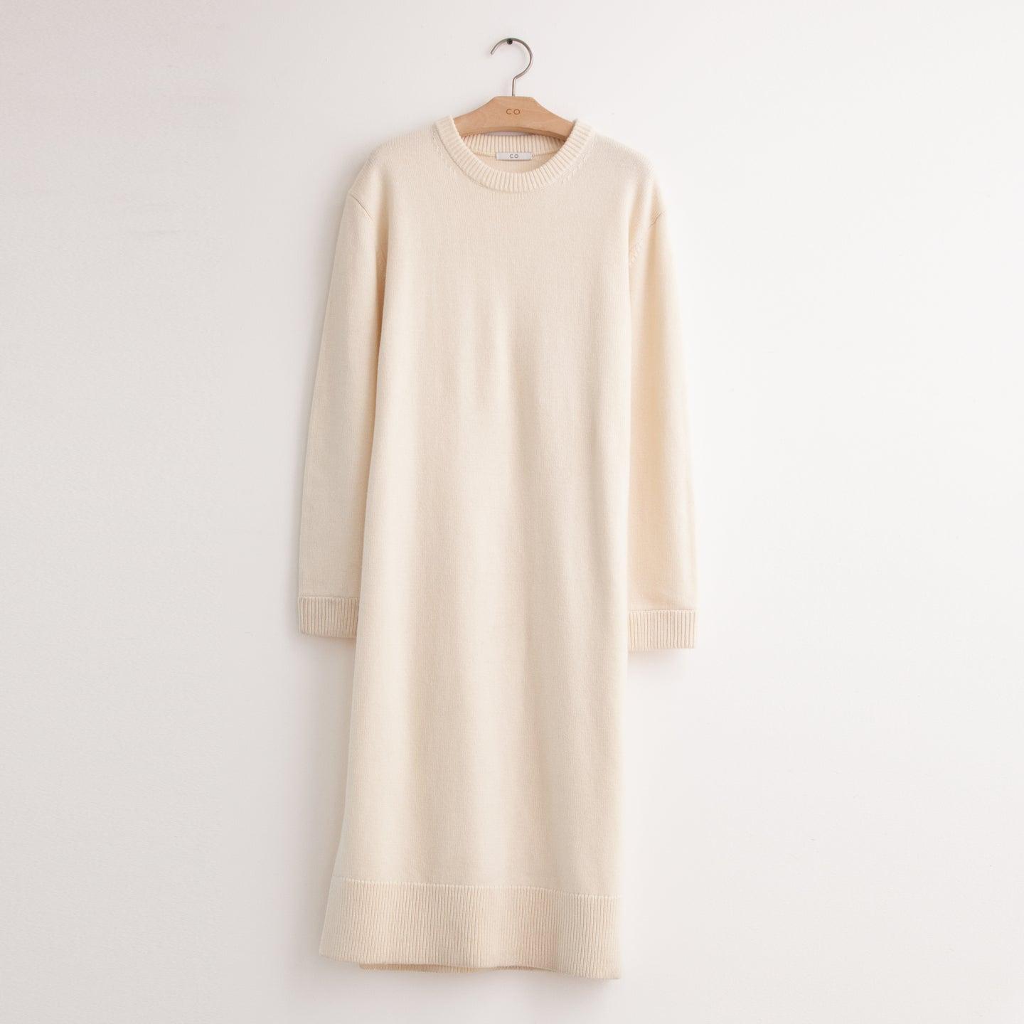Long sleeve knit shirtdress with side slits in ivory wool - CO