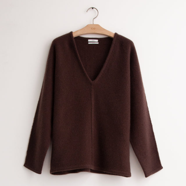 CO - V neck sweater with exposed front seam in brown cashmere
